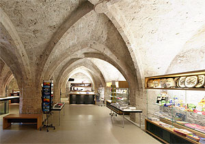 Picture: Cahs-desk and shop at Burghausen Castle
